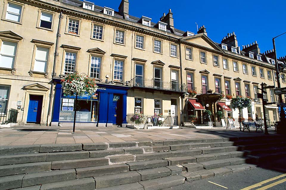 Terraced houses with alfresco dining in the centre of Bath