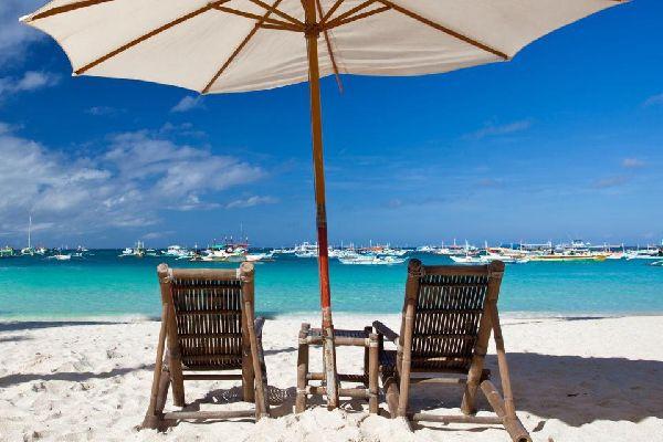 L'accès à la mer est particulièrement soigné dans ce pays où il est vital de pouvoir naviguer entre les atolls.