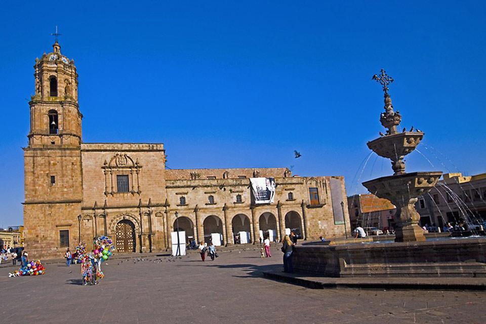 Le quartier principal de la ville où se situe la cathédrale de Morelia.