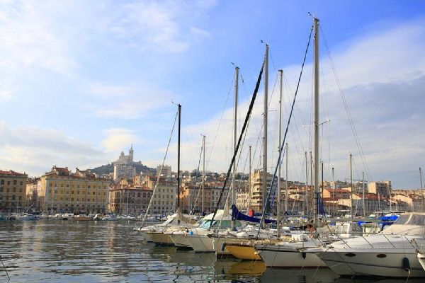Come La Canabière, il Vieux-Port è un luogo emblematico della città.