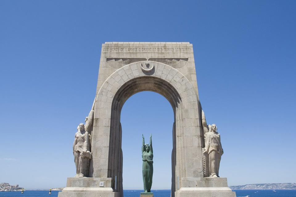 This building was built as a tribute to the soldiers of North Africa, and looks over the Mediterranean.