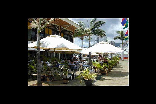 Questo centro turistico e commerciale corrisponde alla parte più recente della città.