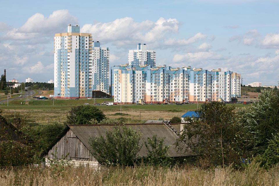 Als Hauptindustriezentrum Weißrusslands begann die industrielle Entwicklung der Stadt in den 1860ern und man findet hier mehr als 250 Fabriken und Werke.