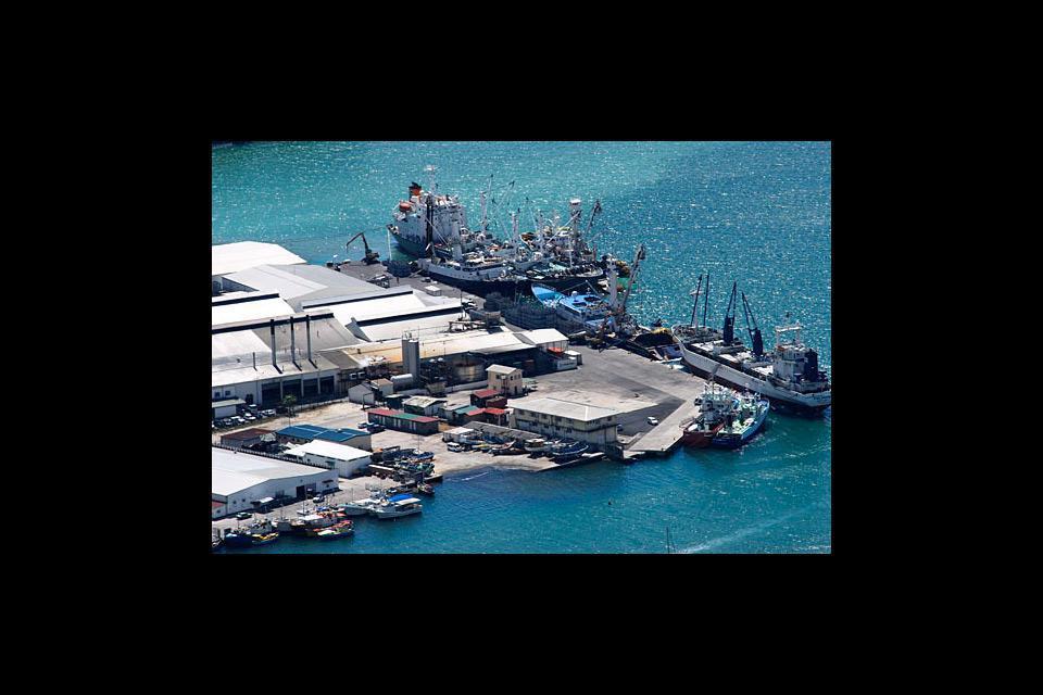El único puerto oficial, de entrada y salida, de Seychelles.