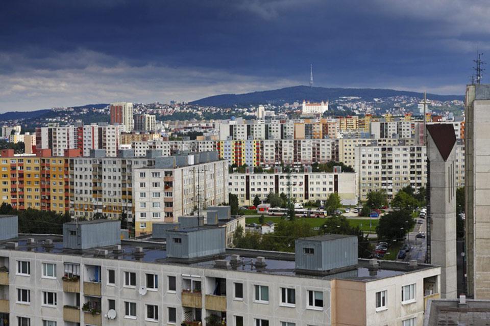 Posé sur la rive droite du Danube, Petrzalka est le quartier le plus récent de Bratislava