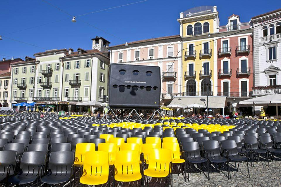 Ogni anno, in pieno estate, Locarno ospita il suo Festival Internazionale del Film. Vengono proiettati dei film all'aperto nella piazza centrale.
