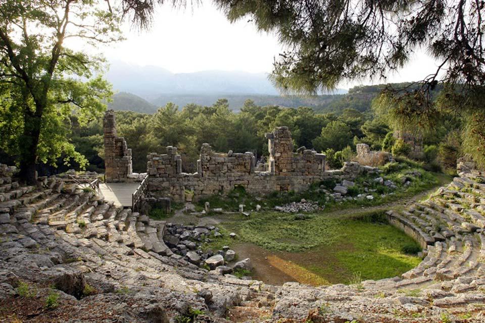 La región de Antalya posee numerosos testimonios del pasado.