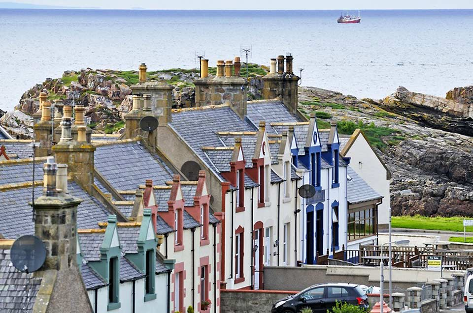 Scotland's third most populous city, Aberdeen is famous for its university and green pastures.