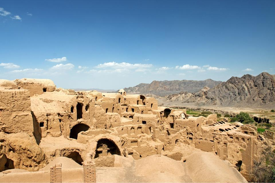 This archaic citadel is known for its being the only three-storied fortress in Yazd province still standing.