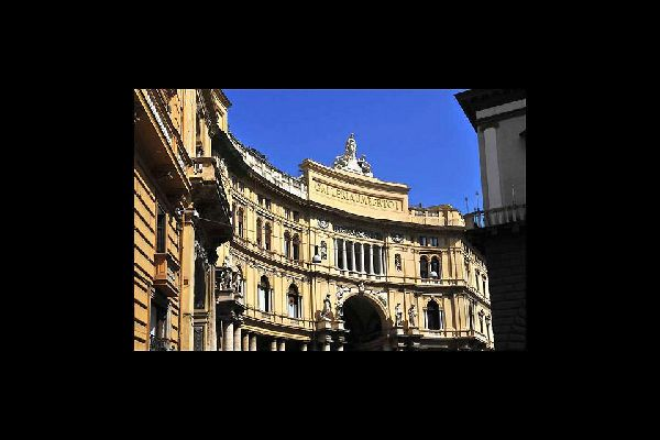 The Galleria Umberto I, a typical example of 19th century art, stands opposite San Carlo theatre, close to Triste e Trento square.