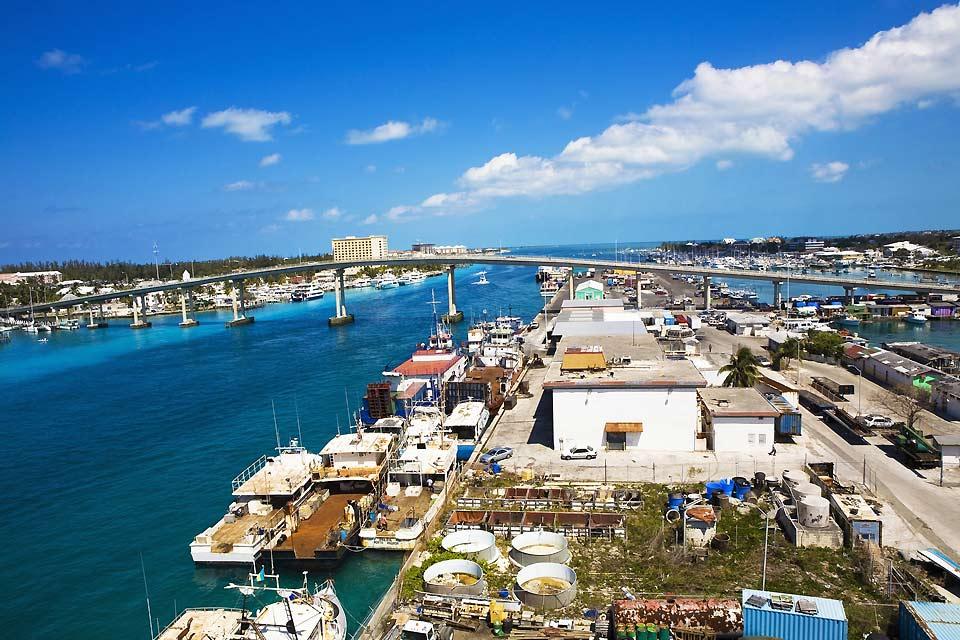 Ce pont relie Nassau à Paradise Island.