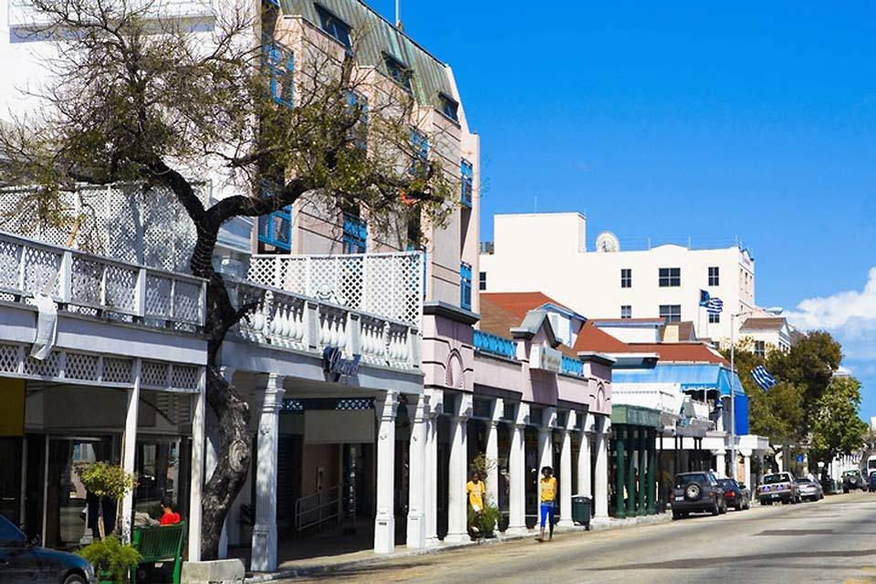 El centro de Nassau se compone de edificios de arquitectura colonial.