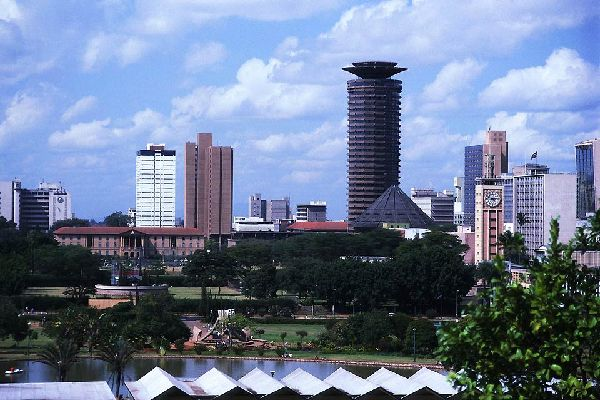 Alongside the skyscrapers in Nairobi, visitors will also find parks and green spaces practically in the city centre.