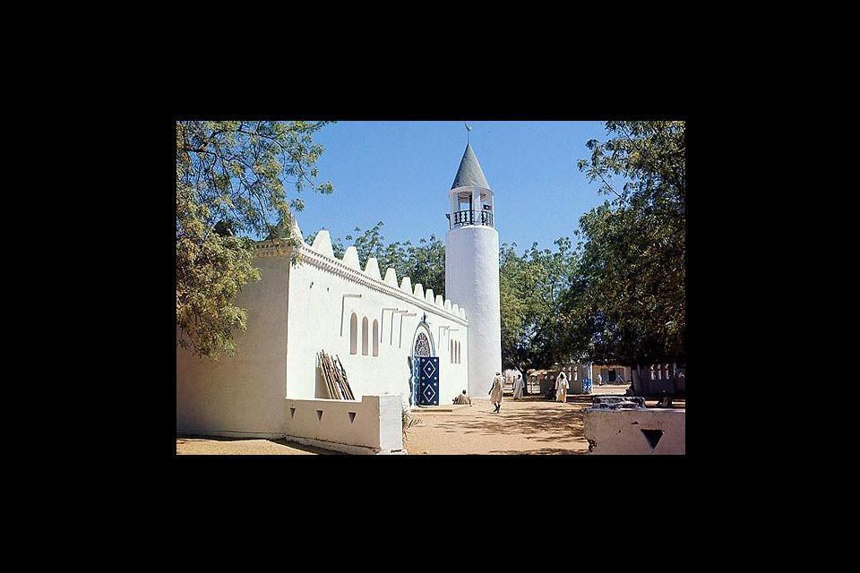 La capital de Chad ha sufrido con la guerra, aunque todavía hoy conserva bellos parajes.