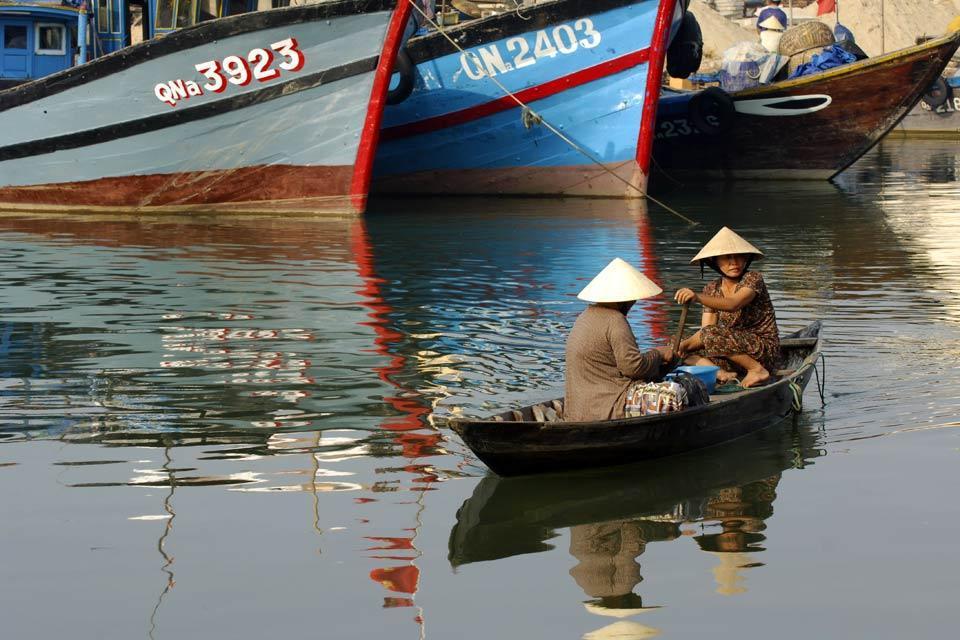 Pour apprécier pleinement Hoï An, on peut voyager sur la rivière à bord des Champa. Les rivières couvrent des centaines de km et offrent d'intéressantes alternatives.
