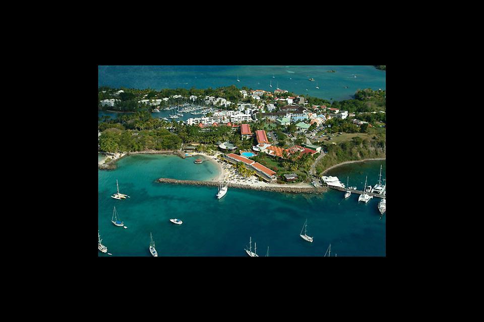 """Der Badeort """"Pointe du Bout"""" liegt 4 km nördlich von Trois-Ilets. Hier haben sich die meisten, auf Martinique ansässigen Hotels niedergelassen. Ein wirklich erstaunlich schöner Ort."""