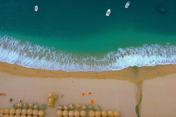 Le spiagge di Acapulco si affacciano sull'Oceano Pacifico.