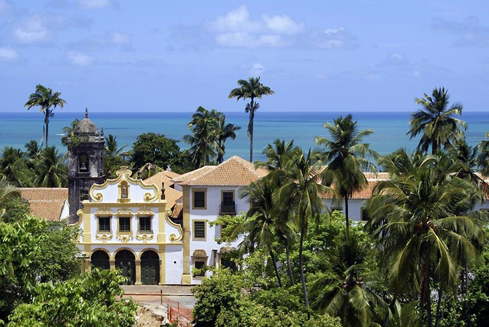 The convent and its church are very important colonial monuments in Brazil