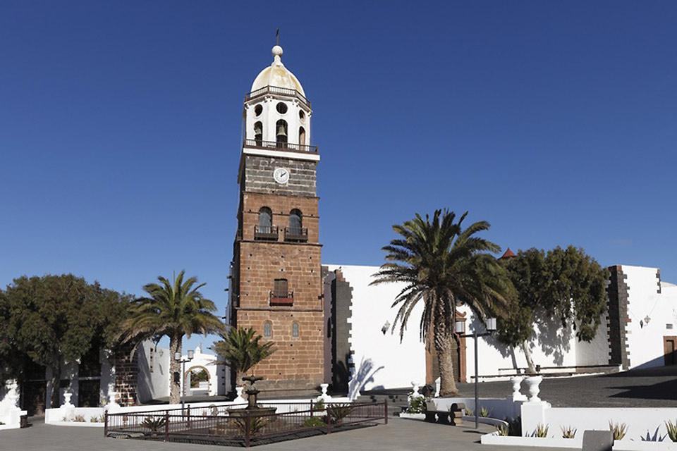 Much of the history of the island can be found in its preserved historical centre.
