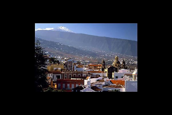 The town of La Orotava is located in a fertile valley of the same name. Once the capital of the land of the Guanches (native inhabitants of the Canary Islands).