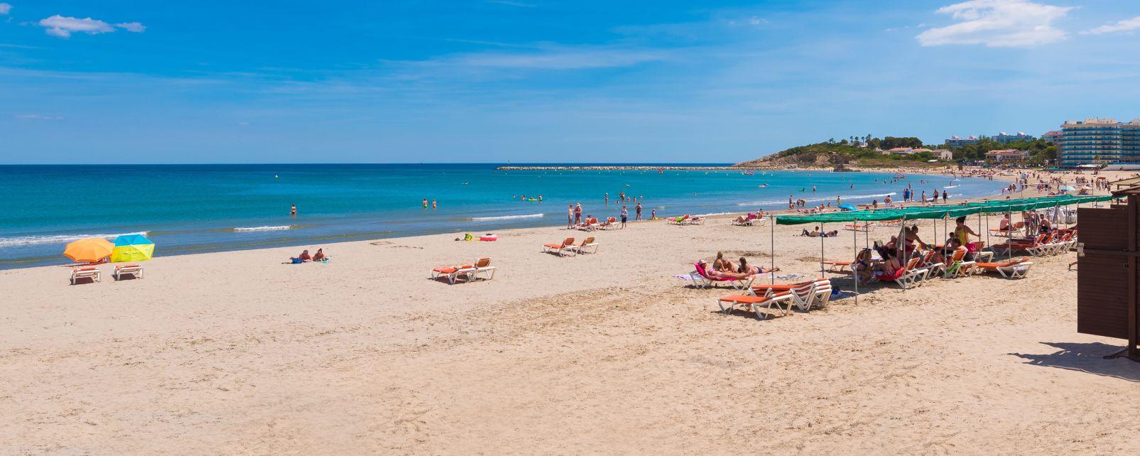 La Pineda, Catalogne, Espagne, Coastline Costa Dorada, beach in La Pineda, Tarragona, Catalunya
