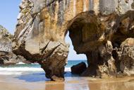 Cette partie des Asturies est sans doute la plus spectaculaire de toute la côte, avec des plages nichées entre des promontoires rocheux.