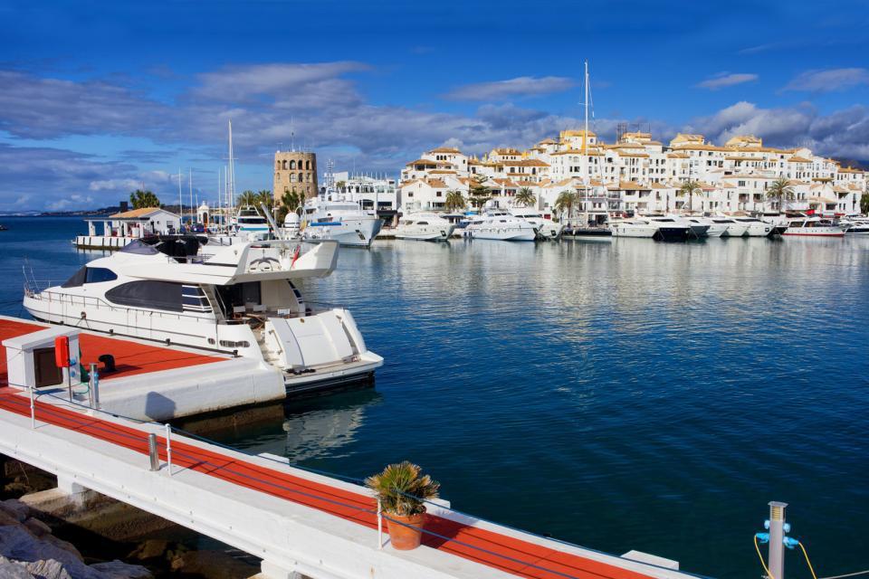 Hotel pyr marbella puerto banus - Hotel pyr puerto banus ...