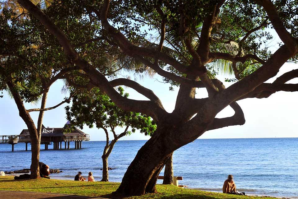 Le littoral est constitué de nombreuses baies, idéales pour la baignade ou le nautisme.