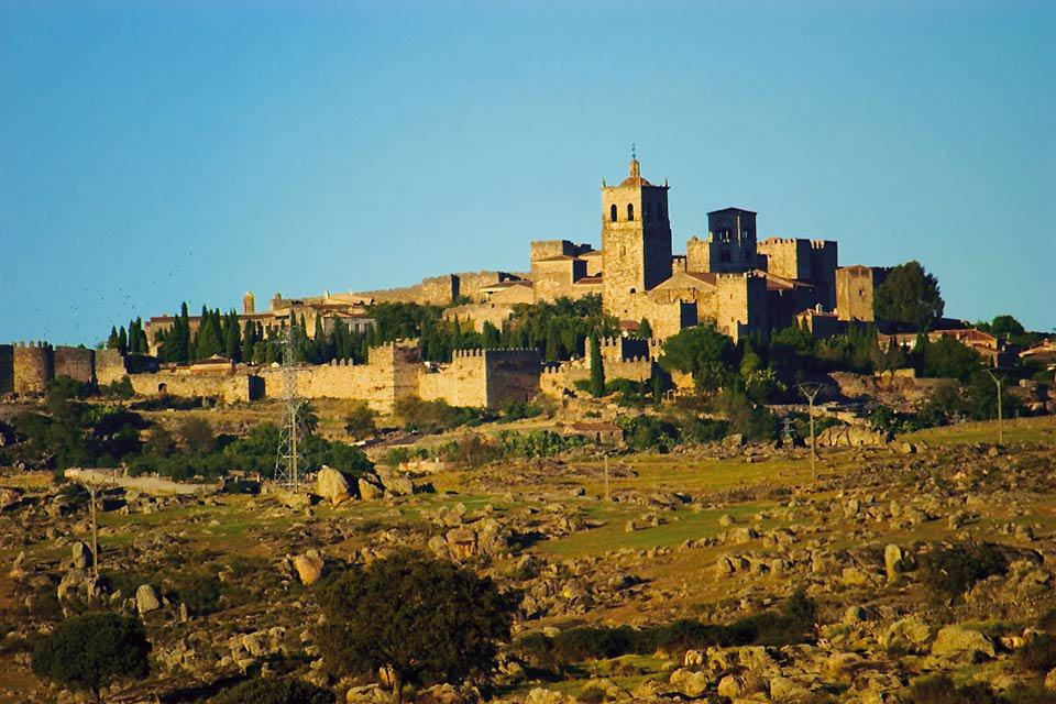 Trujillo is a city located 30 miles from Cáceres. It attracts a large number of tourists.