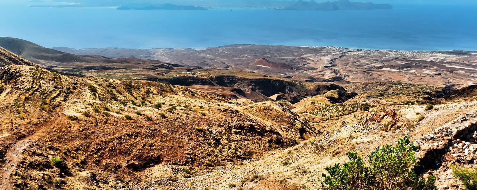Afrique; Cap-Vert; Santo Antao; montagne; rocher; océan; mer;