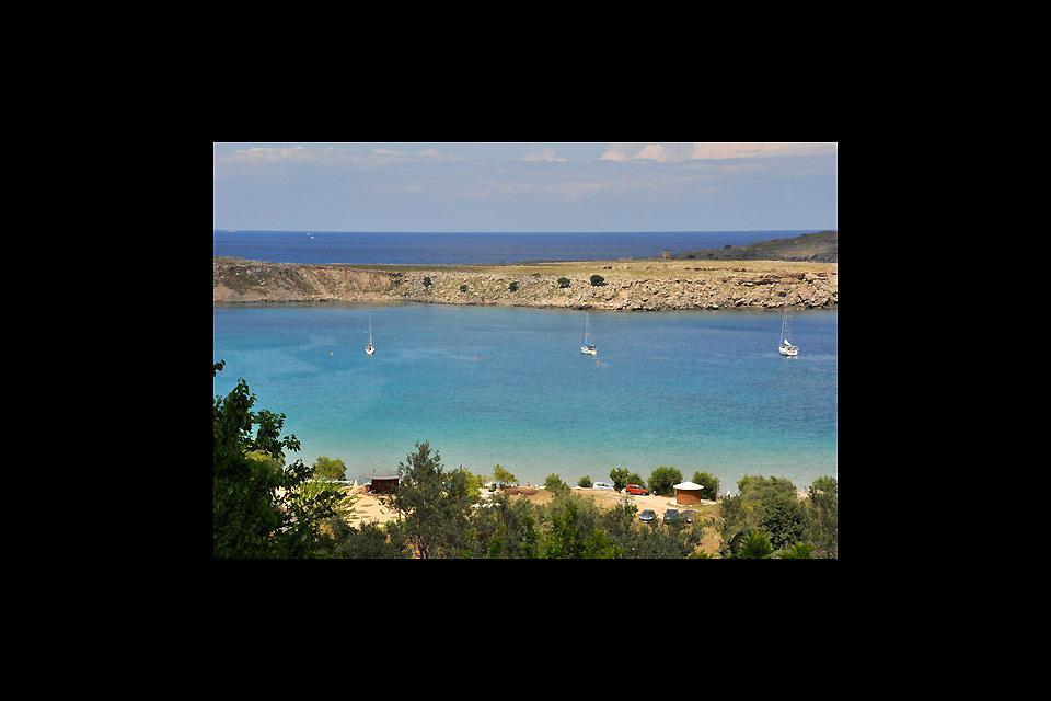 Au pied de la citadelle, Saint Paul est une petite baie aux eaux turquoise.