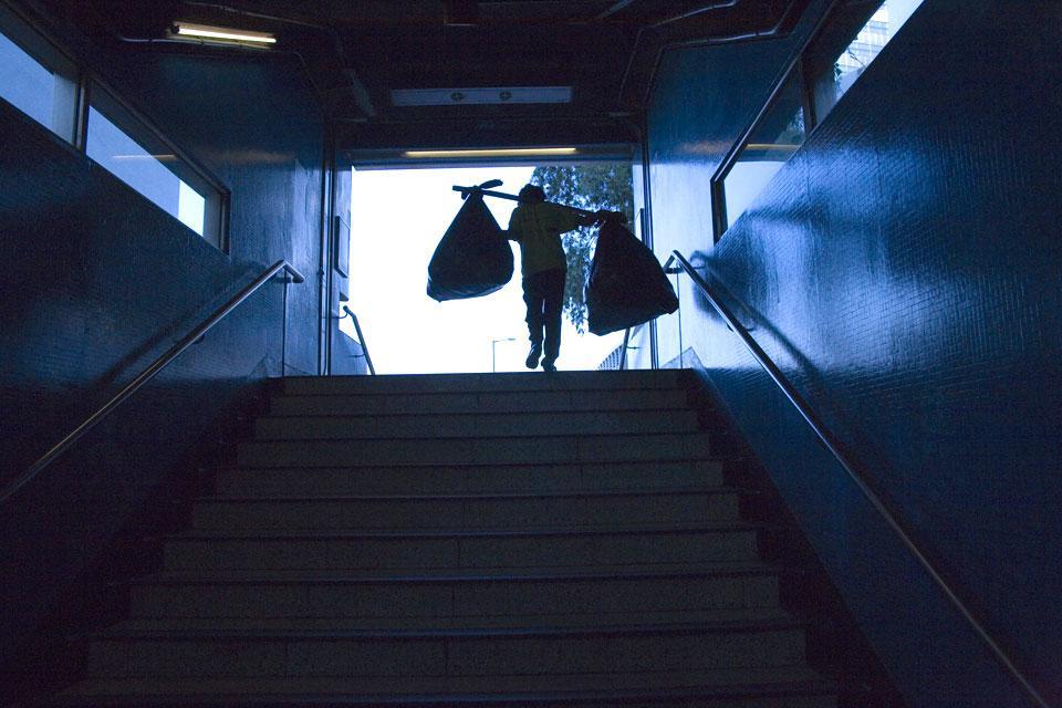 Une sortie de métro à Kowloon.