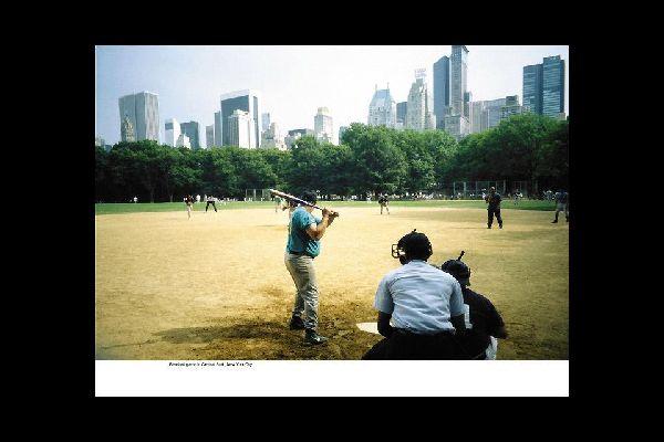 Im Park gibt es insgesamt 26 solcher Gelände, die für Baseball- und Softball-Spiele von April bis September benutzt werden.