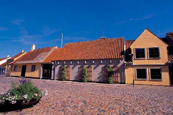 Con 185900 habitantes, Odense es la tercera ciudad más grande de Dinamarca.
