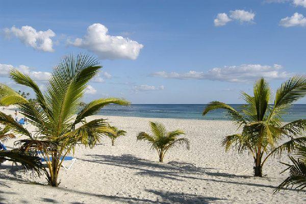 Juan Dolio constitue une étape agréable pour les voyageurs en quête de délassement.