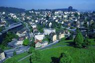Lucerne stands at the foot of the Alps. The relief starts as soon as you leave the city.