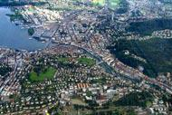 Lucerne is the capital of its eponymous canton. The city has nearly 80,000 inhabitants.