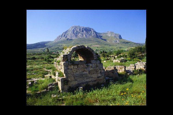 Antaño, en Corinto se erigía el templo de Afrodita.