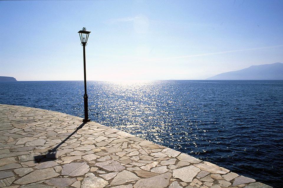 Der Zugang zum Hafen von Nafplio wird von der Festung Bourdzi überwacht.