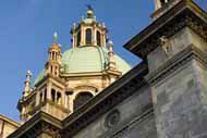 La catedral gótica de Como, situada cerca del lago, es uno de los monumentos más importantes del norte de Italia.