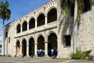 Da qui Cortez, Pizzarro, Balboa e Velasquez hanno pianificato le loro conquiste rispettivamente del Messico, del Perù, di Panama e di Cuba.