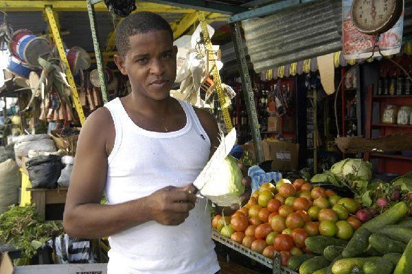 Nel cuore di un quartiere cosmopolita, questo mercato coperto offre una concentrazione impressionante di artigianato dominicano.