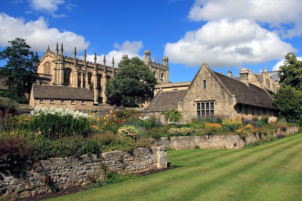 Oxford is a very green city, with several parks and nature walks within the ring road, as well as several sites just outside the ring road.