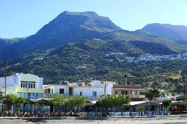 Face à la mer et cernée par les montagnes, Plakias offre un large choix d'activités.