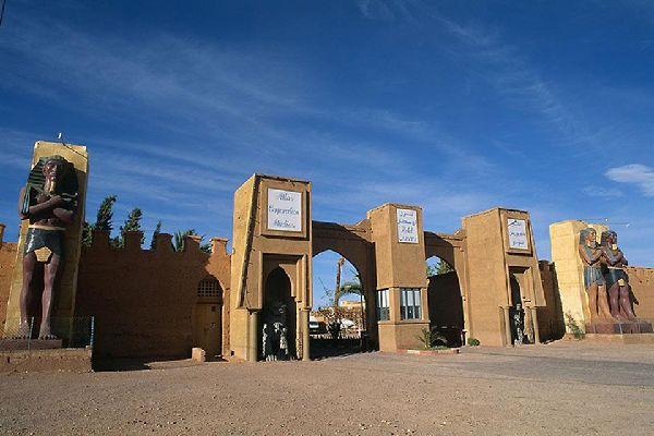 Ouarzazate est un lieu de tournage particulièrement apprécié des réalisateurs. Kingdom of Heaven a par exemple été presque entièrement filmé au Maroc !