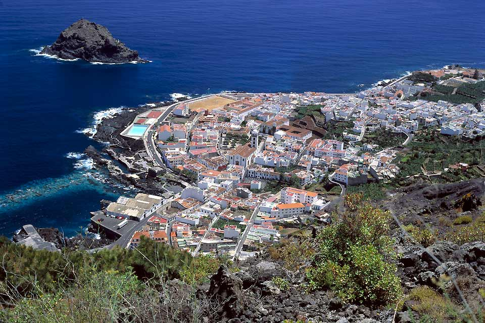 Garachico was the most important port on the island until 1706, when Teide violently erupted and destroyed a good part of the town.