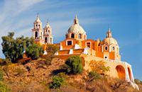 Prospère cité coloniale, Puebla est connue pour la magnifique architecture baroque de son centre historique (nombreux palais couverts d'azulejos), ses anciens couvents et le site archéologique de Cholula....