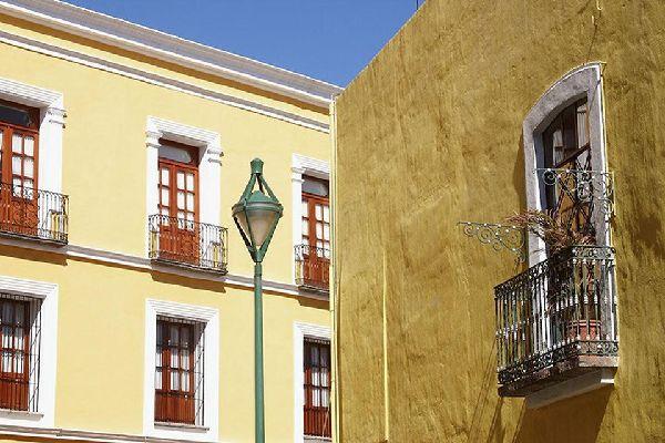 Il centro della città è ricco di edifici in stile coloniale. Puebla è stata fondata nel 1531 dagli spagnoli.