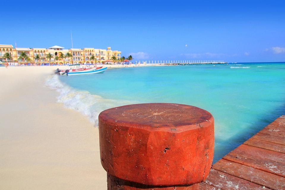 A differenza di Cancun, a Playa del Carmen non è possibile costruire palazzi più alti di 13,5m, rendendo la città più intima e a misura d'uomo.