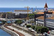 The promenade in Ponta Delgada is the symbol of the city's dynamism and how it has adapted to modern times. Another interesting visit here is the Chapel of Nossa Senhora da Esperança.